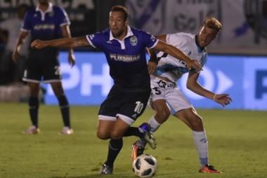 Con la intención de aprovechar el desgaste del equipo platense por su participación en la Sudamericana, Temperley visitará a Gimnasia.