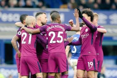 Cada vez más cerca del título. Manchester City, si le gana al United el sábado, se consagrará campeón de la Premier.