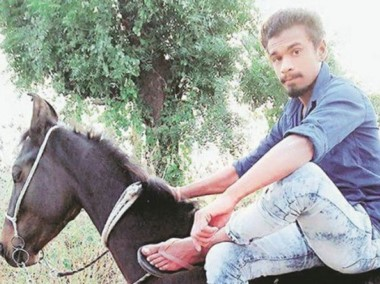 Pradeep Rathod, de 21 años, fue asesinado a golpes por poseer un caballo, símbolo de poder en las clases altas de India.