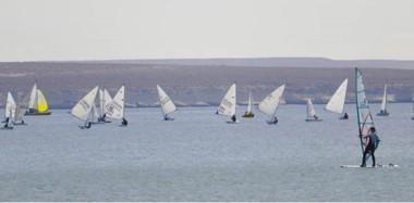 """La XII edición de la """"Copa de las Ballenas"""" finalizará hoy en las aguas del Golfo Nuevo. Se realiza con una gran participación desde el jueves pasado."""