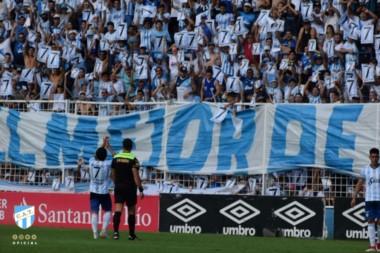 En el minuto 7 del partido ante Defensa y Justicia, el Pulga Rodríguez recibió un más que emotivo homenaje de parte de todo el público de Atlético Tucumán.