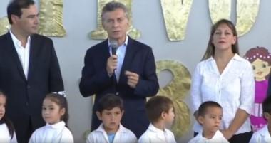 """Macri inauguró el ciclo lectivo en Bella Vista, Corrientes: """"Nada es posible sin los docentes""""."""