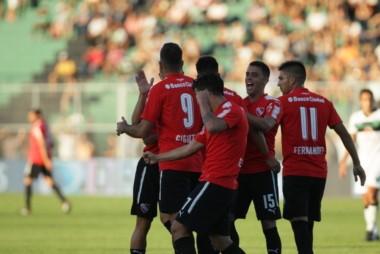 Independiente superó en juego y en resultado a San Martín y se quedó con el partido producto de una goleada por 4 a 0.