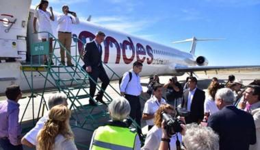 Bienvenida. La nave de Andes y su aterrizaje inaugural en el sur.
