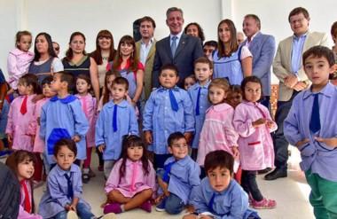 El gobernador Arcioni inauguró el ciclo lectivo desde la Escuela 4402 de la localidad de Rada Tilly.