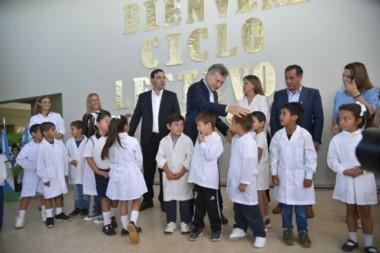 Corrientes: Mauricio Macri inauguró el ciclo lectivo en Bella Vista.