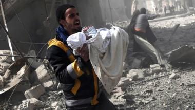 Los bombardeos del régimen obstaculizan la entrega de ayuda en Ghouta Oriental poco después de autorizarla.