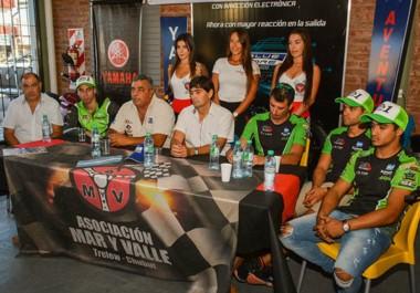 El piloto Lucas Silvi (R3 Cup), Jorge Bucemo Silvio Safar, Pablo Zipiliván, Lucas Molina (Súper Sport 600) y Andrés González (Súper Sport 600).