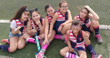 Este sábado comienzan las actividades del hockey infantil en la cancha de sintético de Comodoro RC.