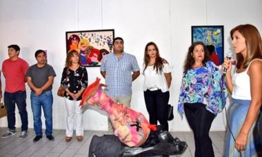Una original muestra fue inaugurada en el Centro Cultural de Trelew.