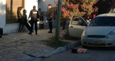 La policía detuvo a dos mujeres, una de ellas de 14 años, quienes deberán dar explicaciones en tribunales.