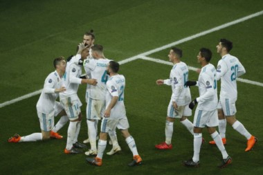Diferencia abismal entre Real Madrid y PSG. Un histórico de Europa, que se agranda en estas citas, y un club con millones pero sin identidad ni carácter.