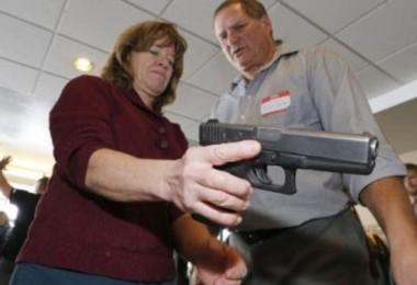 En Florida, tras la sanción de una nueva ley, algunos docentes podrán ir armados a clase.