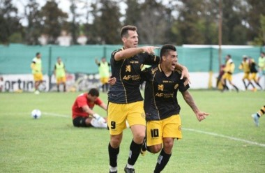 Flandria y Santamarina repartieron puntos en Jáuregui.