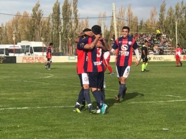 USMA dejó en el camino a Sarmiento con un global de 8-1 y jugará la final con Hispano Americano de Rio Gallegos.