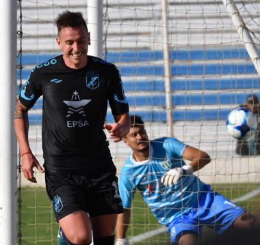 Después de nueve partidos, Guillermo Brown pudo volver a ganar con goles de Moreno y Rizzo, de penal.