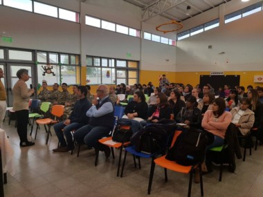 El trabajo preventivo se inició en Sarmiento (foto Fundación Nuevo Comodoro)