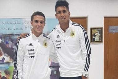 A 63 del Mundial, Maximiliano Meza y Fabricio Bustos se reunieron con Jorge Sampaoli en el predio de la AFA.