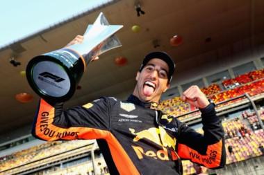 El piloto de Red Bull se quedó con la gloria, seguido por Valtteri Bottas y Kimi Raikkonen.