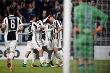 Juventus tachó 3-0 a Sampdoria con goles de Mandzukic, Khedira y Howedes, todos con asistencias de Douglas Costa.