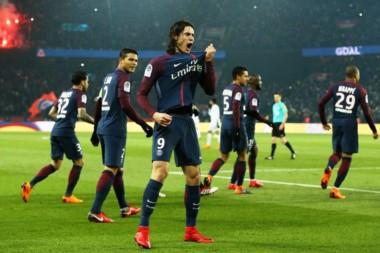 Cavani festeja su gol. Le metieron 7 al escolta Mónaco y se consagraron cinco fechas antes del final.