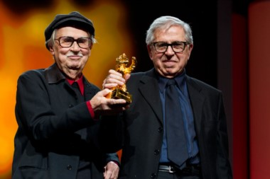 Vittorio (a la izquierda) y Paolo con el Oso de oro que ganaron en el Festival de Berlín en 2012.