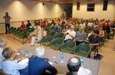 """Los candidatos expusieron los ejes de la propuesta de """"Grandes Áreas de Ciencias Biológicas y de la Salud""""."""