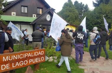 Banderazo. Los municipales cordilleranos iniciaron una retención pero luego acataron la conciliación.