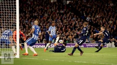 ¿Cúando no? Kane fue el autor del gol de Tottenham.