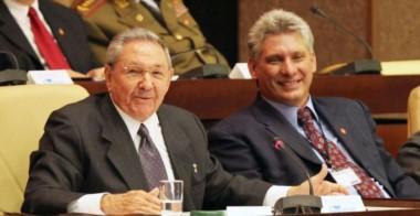 Raúl Castro junto a su delfín y próximo sucesor.