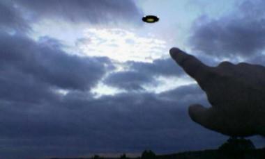 Captura del video que grabó el jefe de los Bomberos de las misteriosas luces que se contactaron con ellos.