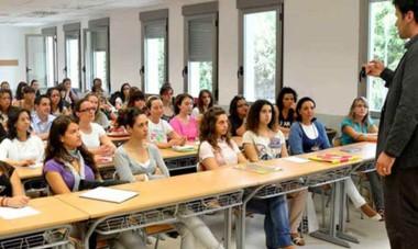 """PAE junto a la Universidad Siglo 21, implementará el """"Programa EmprenDES""""."""