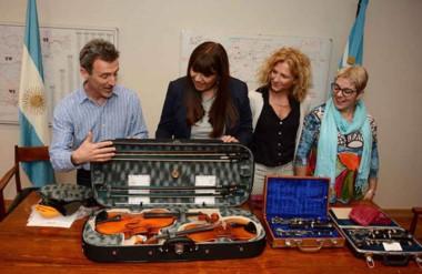 La ministra Cigudosa firmó un acuerdo con la entidad y con la Asociación Cultural Galesa de Madryn.