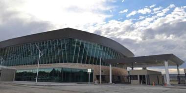 El aeropuerto General Mosconi es la primera aeroestación ecológica del país.