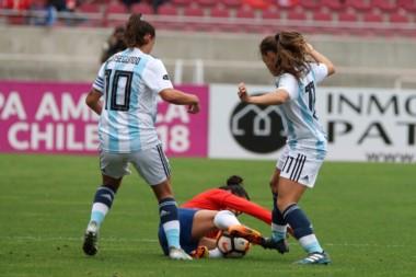 Argentina cayó ante Chile en su último encuentro de la Fase Final. Ahora espera por el resultado de Colombia - Brasil para conocer su ubicación final.