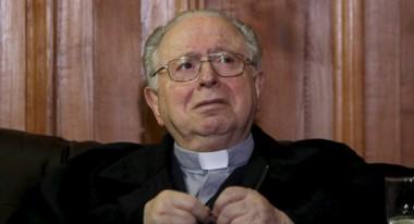 El párroco Fernando Karadima, en el centro de la tormenta que sacude a la Iglesia y la sociedad trasandinas.