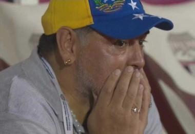 Maradona perdió el ascenso a la Primera de Emiratos Árabes tras un insólito error de su arquero que le dio el empate al rival. Luego renunció a su cargo de DT.