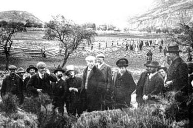 A la consulta de la  Comisión de Límtes, la determinación de aquellos pobladores fue a favor de la Argentina.