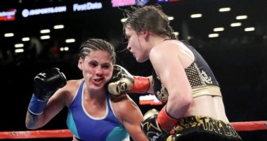 Victoria Bustos no pudo hacer historia grande ante Katie Taylor, en la unificación der las coronas de peso ligero FIB y AMB.