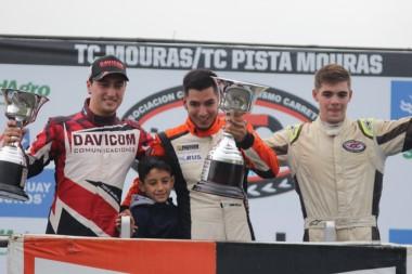 Mario Valle (Dodge) se quedó con la carrera de La Plata bajo la luvia. Deharbe (Chevrolet) y Todino (Ford) lo escoltaron hacia la victoria.