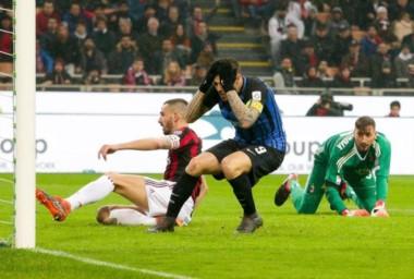 De no creer. A Icardi le anularon un gol polémico mediante el VAR y le erró dos veces al arco vacío en el 0-0 del Inter frente a Milan.