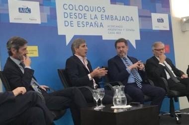 Luis Caputo en la Embajada de España tras el