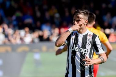 Hat-trick de Dybala (dos de penal) en el triunfo 4-2 de la Juventus sobre Benevento.