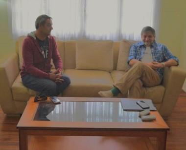 Dúo. Gabriel Tcharian, titular de la SCPL (izquierda) y una charla con el jefe de gabinete por las deudas.