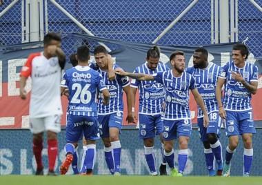 Godoy Cruz llega de golear a San Lorenzo por 5 a 0 en el Nuevo Gasómetro.