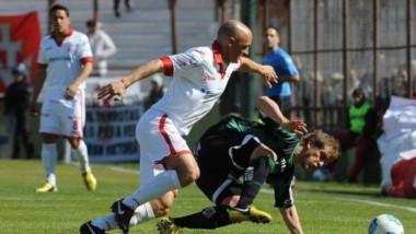 Huracán se trae los tres puntos desde San Juan con el 1-0 vs San Martín. Así, trepó, al menos momentáneamente, hasta los puestos de clasificación a la Copa Libertadores.