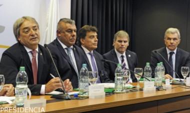 Uruguay, Argentina y Paraguay volvieron a reunirse para tratar de consolidar la candidatura al Mundial 2030 .