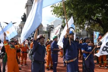 Los mineros de Río Turbio vuelven a la Plaza de los dos Congresos este miércoles.