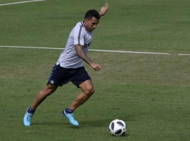 Tevez viajaría a San Pablo y podría ser titular ante Palmeiras.