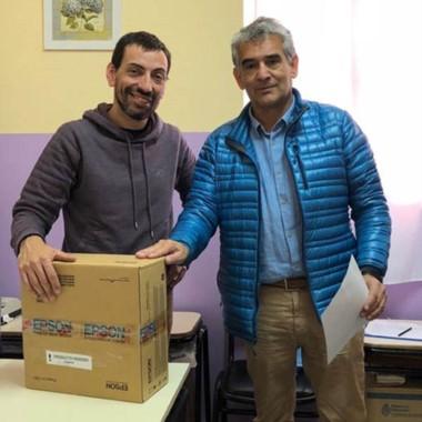 Ricardo Verdón junto a José Giorgia durante la entrega de la donación.